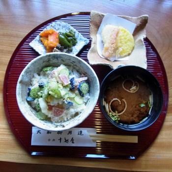 漬け物丼R0154696.jpg